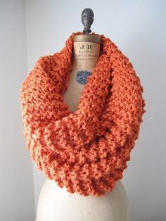 Instant download Super Snuggly Chunky knit cowl PATTERN