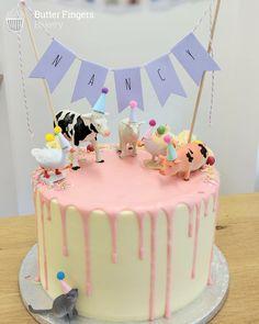 19 Ideas For Birthday Cake Kids Girls Simple 19 Ideas For Farm Birthday Cakes, 1st Birthday Cake For Girls, Animal Birthday Cakes, Homemade Birthday Cakes, Homemade Cakes, Little Girl Birthday Cakes, Animal Cakes For Kids, Farm Animal Cakes, Farm Animals