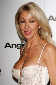 Linda Thompson Info Real Name Linda Diane Thompson Bio Linda Diane Thompson biography Star Profile Timeline Biography History