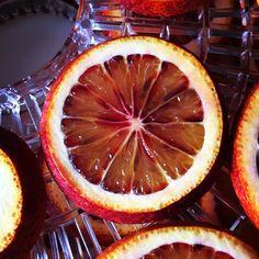 Es temporada de naranja sanguina... Semanas que la deshidratadora no para. Let's go!!! #BarMaster #IFEHostelería
