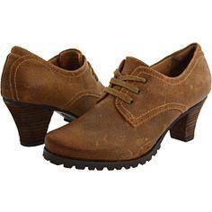 I <3 shoes.