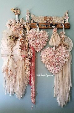 Pink hearts rag hearts wire hearts dream catchers doilies and lace shabby chic - August 24 2019 at Shabby Chic Mode, Shabby Chic Crafts, Shabby Chic Bedrooms, Shabby Chic Cottage, Shabby Chic Style, Shabby Chic Furniture, Boho Chic, Country Furniture, Farmhouse Furniture