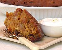 Rich and fruity dessert recipe for Apple and Raisin Bake Raisin Recipes, Apple Recipes, Apple Bake, Delicious Desserts, Dessert Recipes, Peanut Butter Bites, Types Of Cakes, Recipe Search, Sweet Tarts