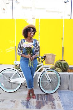 HELLO SILHOUETTE, diana avalos photographs, yellow, blogger, az blogger, #ootd, how cute is this bicycle in this image!? So colorful and fun!