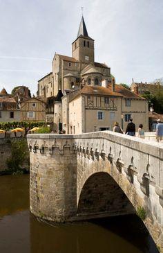 Montmorillon, cerca de Poitiers, Francia.