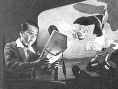 Behind the Scenes: Pinocchio (1940) - behind the scenes post - Imgur Disney Films, Disney Art, Disney Pixar, Walt Disney Animation, Animation Film, Animation Studios, Scene Photo, Disney Pictures, Vintage Disney