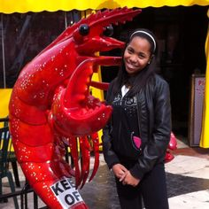 Syd with The Crazy Lobster Statue.