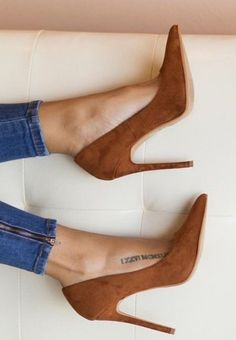 ♡ LINE BOTWIN ♡ Heels shoes denim jeans style tatts tattoo tattoos fashion stilettos skinny jeans summer spring Dream Shoes, Crazy Shoes, Cute Shoes, Me Too Shoes, Heeled Boots, Shoe Boots, Stiletto Pumps, Nude Pumps, Beautiful Shoes