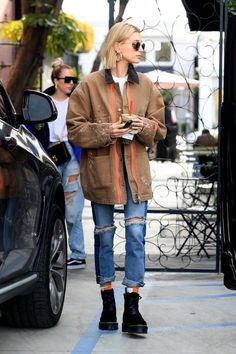 Hailey Baldwin - Dipped in Heron Preston, Adult Fashion For Men in their Rihanna Street Style, Berlin Street Style, Model Street Style, European Street Style, Italian Street Style, Preston, Look Fashion, Fashion Outfits, Womens Fashion