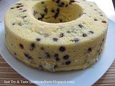 Resep Cake Kukus Tape Singkong & Chocolate Chips JTT Bolu Cake, Bake My Cake, Resep Cake, Steamed Cake, Choco Chips, Traditional Cakes, Different Cakes, Bread Cake, Brownie Cake