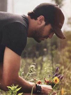 I love him Country Men, Country Life, Country Singers, Country Music, Luke Bryan Pictures, Cool Hand Luke, Shake It For Me, Entertainer Of The Year, Man Alive