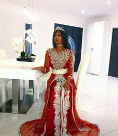 Abaya Style 84047 Hey you if you are here it is because you are struggling to find images for you… # random # Random # amreading # books # wattpad Caftan Dress, Hijab Dress, Indian Bridal Outfits, Indian Dresses, Indian Reception Outfit, Somali Wedding, Arabic Dress, Bridesmaid Dresses, Prom Dresses