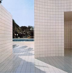 Alain Capeilleres, Swimming Pool