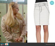 Chanel 5's white tromp l'oeil skirt on Scream Queens. Outfit Details: https://wornontv.net/59749/ #ScreamQueens