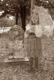 Doodle Craft...: Ghosts in the Graveyard!