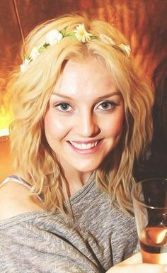 I LOVE this picture of Perrie! She is so incredibly beautiful, especially without makeup. Zayn is a lucky guy!