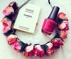 #pink #flowercrown #nailpolish #chanel