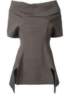 I love the structure of this top Blouse Styles, Blouse Designs, What To Wear Today, How To Wear, Rick Owens Women, Moda Chic, Couture, Nike Tops, Fashion Outfits