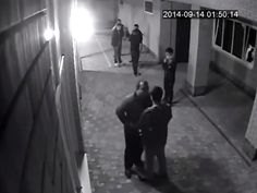 Boxer beats up gang of thugs after they harass his wife: http://bit.ly/Niumeboxer  #fight #crazy ,