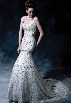 Find Something Unique in Ysa Makino's Wedding Dresses