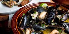 Fat & Happy: Tequila-Drunken Chipotle Mussels and Chorizo and Peppers » Gozamos