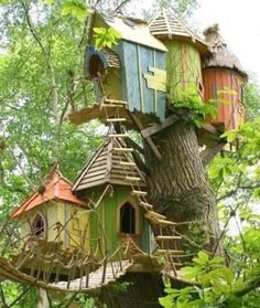 A great way to reuse or decorate a tree stump. They look like tree houses!