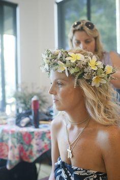 花冠を使った結婚式の花嫁ヘアスタイル画像まとめ | 「ときめキカク365」