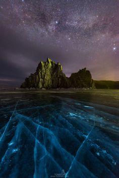 The Milky Way over Shamanka Rock by Tonnaja Anan Charoenkal on 500px  )