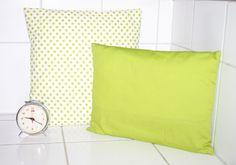 Kissen - Wohntrend Wohndeko Frühling cushion Kissen grün Greenery Dekokissen einfarbig 30x40 - ein Designerstück von Handmade-Erzgebirge bei DaWanda
