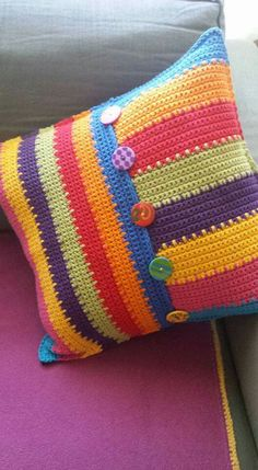 Crochet Box, Crochet Squares, Knit Or Crochet, Crochet Crafts, Yarn Crafts, Crochet Stitches, Crochet Projects, Crochet Cushion Pattern, Crochet Pillow Cases