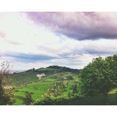 @Eugi Angelini Ecco a voi i #colli di #Bologna visti dai Portici di San Luca.. poco prima della pioggia! Buon pomeriggio piovoso ...