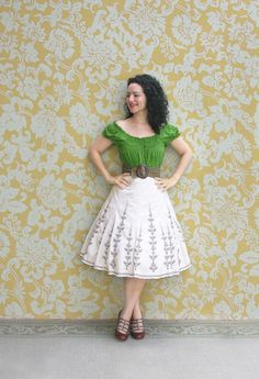 I <3 peasant blouses and big skirts! I would totally wear this outfit as is if the top was a different color.