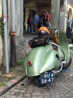 Cambio a bacchetta 1949 Vespa Gtv, Piaggio Vespa, Scooter Bike, Lambretta Scooter, Vespa Scooters, Vespa 50 Special, Vintage Bikes, Vintage Vespa, Classic Vespa
