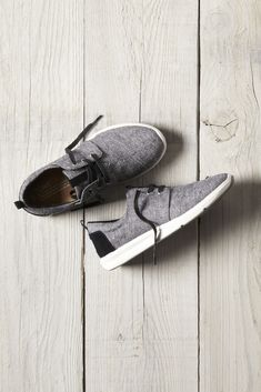 Toms Shoes OFF!> TOMS Black Slub Chambray Women's Del Rey Sneakers with a lightweight molded midsole. Cheap Toms Shoes, Cheap Sandals, Toms Shoes Outlet, Uggs Outlet, Toms Outfits, Fashion Outfits, Runway Fashion, Tokyo Fashion, Fashion Weeks