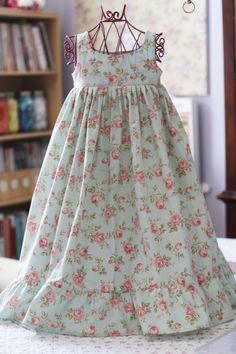 Hannah's Nightgown - Sizes 3-8   YouCanMakeThis.com