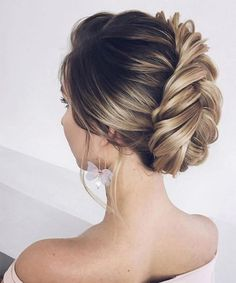 24+ Modish and Mind Blowing Wedding Updo Hairstyles to Get a New Look On Your Big Day #weddinghairstyles