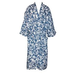 A classic robe in both cut and pattern. Traditional patterns appear on this kimono style robe. Kimono style means the sleeves are a bit shorter than a regular robe so that they don't get in your way. Two large pockets are featured as well as a long sash.