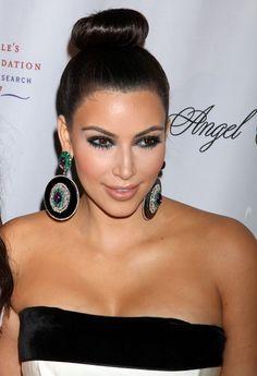 Kim Kardashian Classic Bun