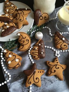 Winter Christmas, Gingerbread Cookies, Food And Drink, Healthy Eating, Diy Crafts, Healthy Recipes, Baking, Christmas Cookies, Breads