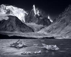 cerro torre picture,patagonia picture,lago torre,iceberg photo,black and white,El Chalten photos