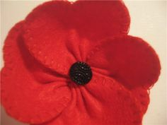 "Brooch made of felt ""Mac"" - a master class for beginners and professionals Cloth Flowers, Felt Flowers, Diy Flowers, Crochet Flowers, Fabric Flowers, Memorial Day Poppies, Poppy Craft, Poppy Pins, Poppy Brooches"