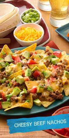 Need a really great recipe for your Game Day party? These really great Easy Beef Nachos are sure to be a hit! Score big with your crowd with these 7 ingredient nachos featuring the Old El Paso™ taco flavors you love! Ready to eat in just 25 minutes!