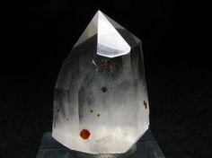 Quartz with Garnet inclusion-China Neolithic - Mineral crystal,Mineral specimens,gemstones - Garnet,Hematite,Inesite,Kesterite,Pyromorphite,Bournonite,Scheelite,Cassiterite,Wolframite,Cinnabar,Realgar,Rhodochrosite