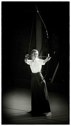 Kyudo.(Bow Archery;full withdraw the string) by Sassy Girl.Song Sa Hae(i Miss you) B.O.M: Des?