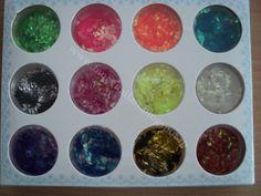 Set 12 cutiute paiete rombice Pret: 15 lei www.fancynailart.blogspot.ro