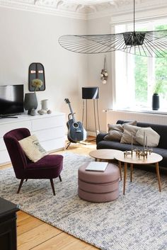 Suspension Lighting Solutions for a Contemporary Dining Room Style At Home, Hallway Flooring, Cosy Winter, Interior Styling, Interior Inspiration, Contemporary Design, Family Room, Area Rugs, Living Room