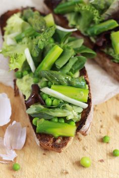 Green vegetables with bread