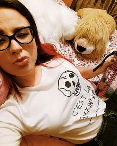 """I live in my own little world. But its ok they know me here."" Lauren Myracle  #huaweimate9 #homesweethome #redhair #balayage #toys #skulls #tshirt #girlswithglasses #sittinupinmyroom #tgif #plushtoys #innerchild #selfie #notsoplainwhitetee #cestlafuckinvie #distefano #lippiercing #prozacthelion"