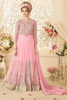 Anarkali Suits are most preferred outfit after saree in Indian ethnic wear. Indian Wedding Gowns, Indian Gowns Dresses, Anarkali Dress, Anarkali Suits, Long Anarkali, Lehenga, Pakistani Outfits, Indian Outfits, Indian Clothes