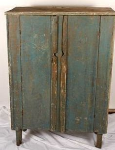 Welcome to Country Furniture Primitive Cabinets, Primitive Furniture, Primitive Antiques, Upcycled Furniture, Antique Furniture, Painted Furniture, Primitive Country, Primitive Bedroom, Primitive Homes